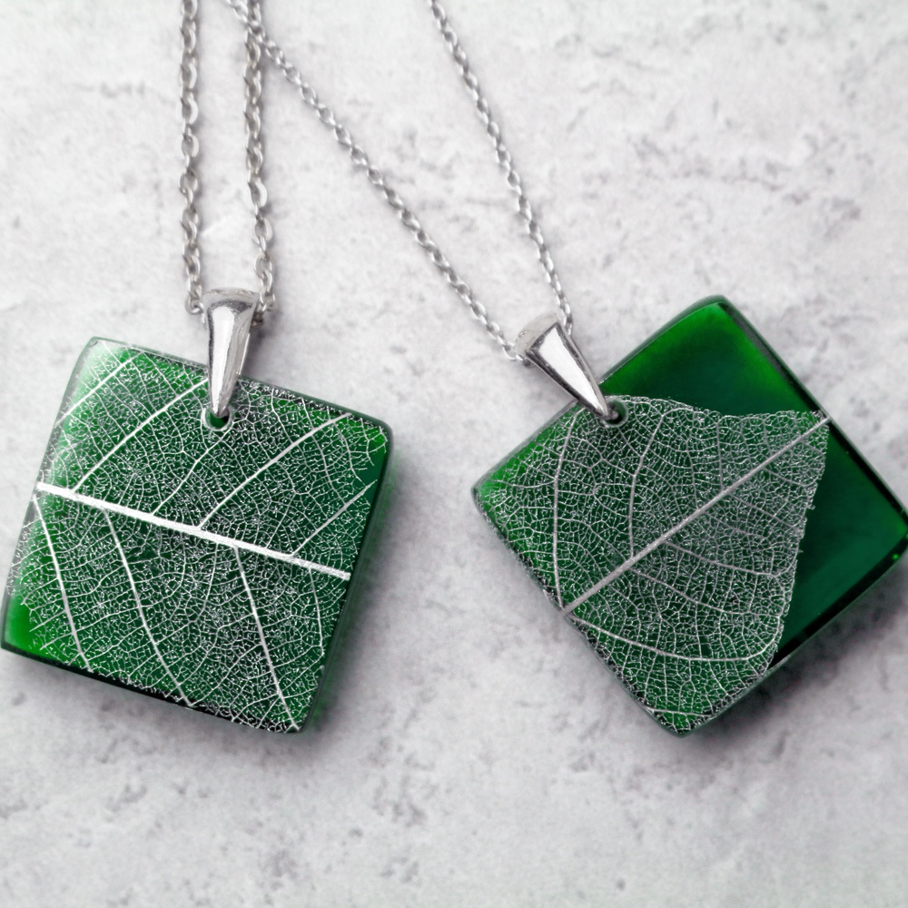 a4e3cd1def His and hers necklaces